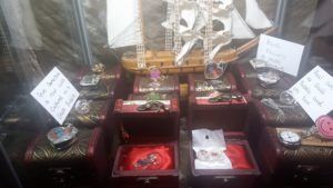 treasure chests (3)